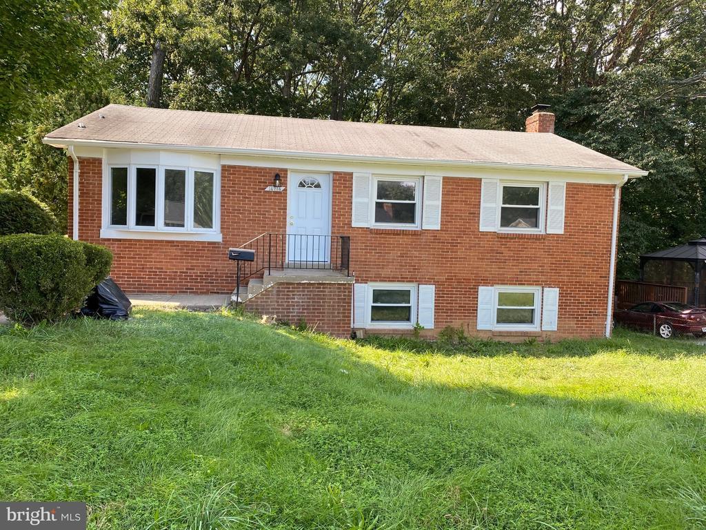 14714 Anderson St, Woodbridge, VA 22193