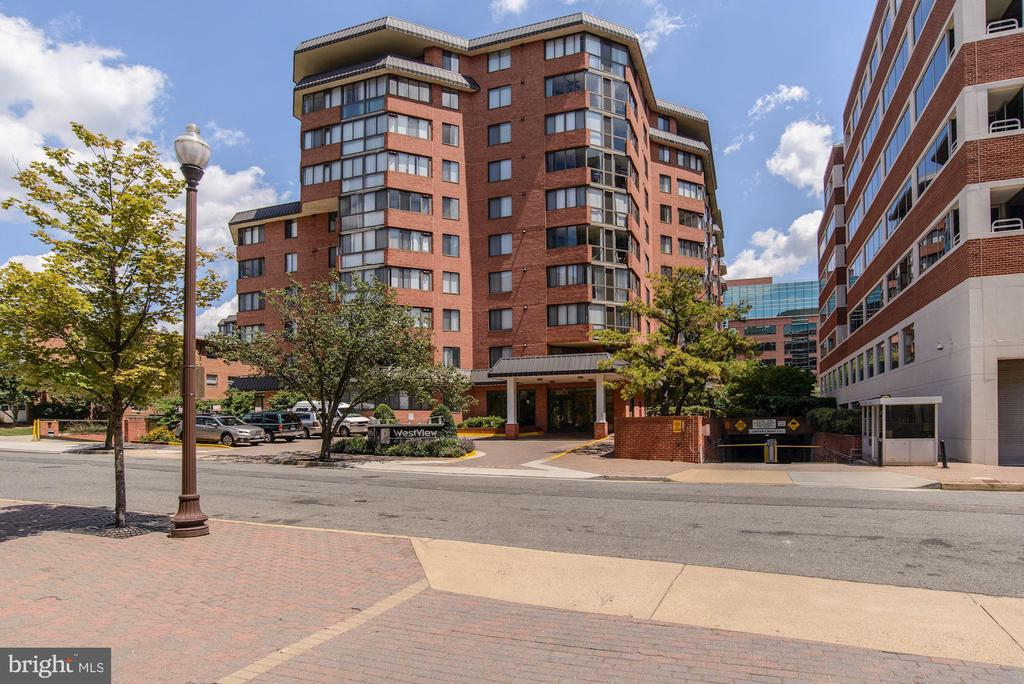 Photo of 1001 N Vermont St #1006
