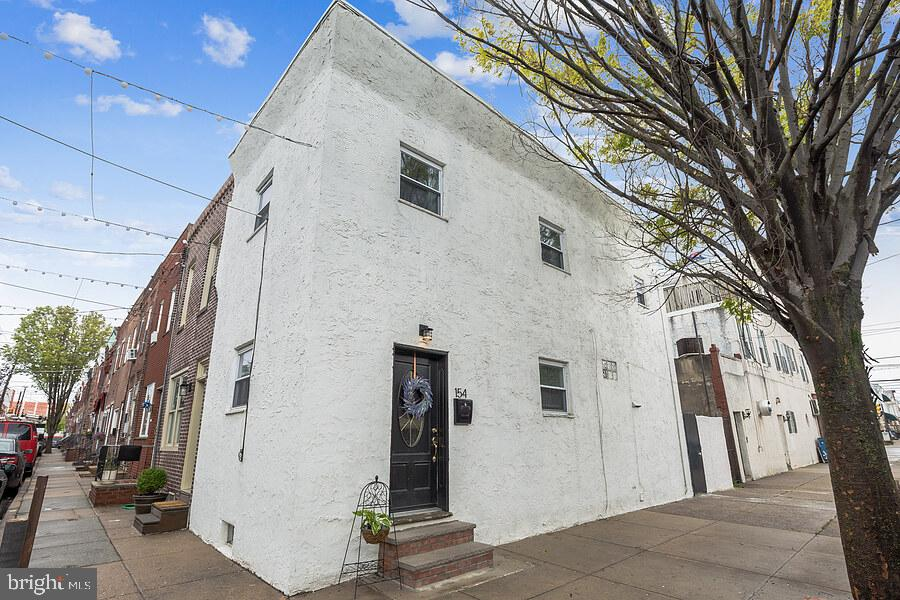 154 Mercy Street Philadelphia, PA 19148