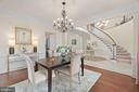 5260 Winter View Dr