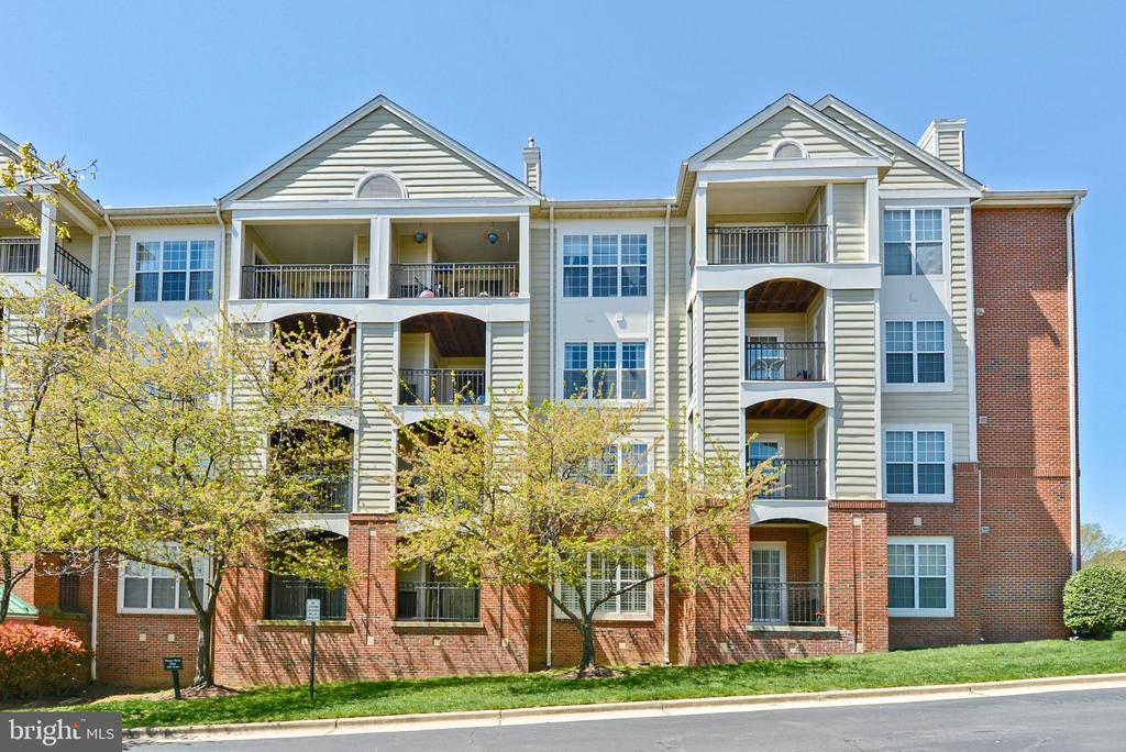 Photo of 1100 Quaker Hill Dr #214