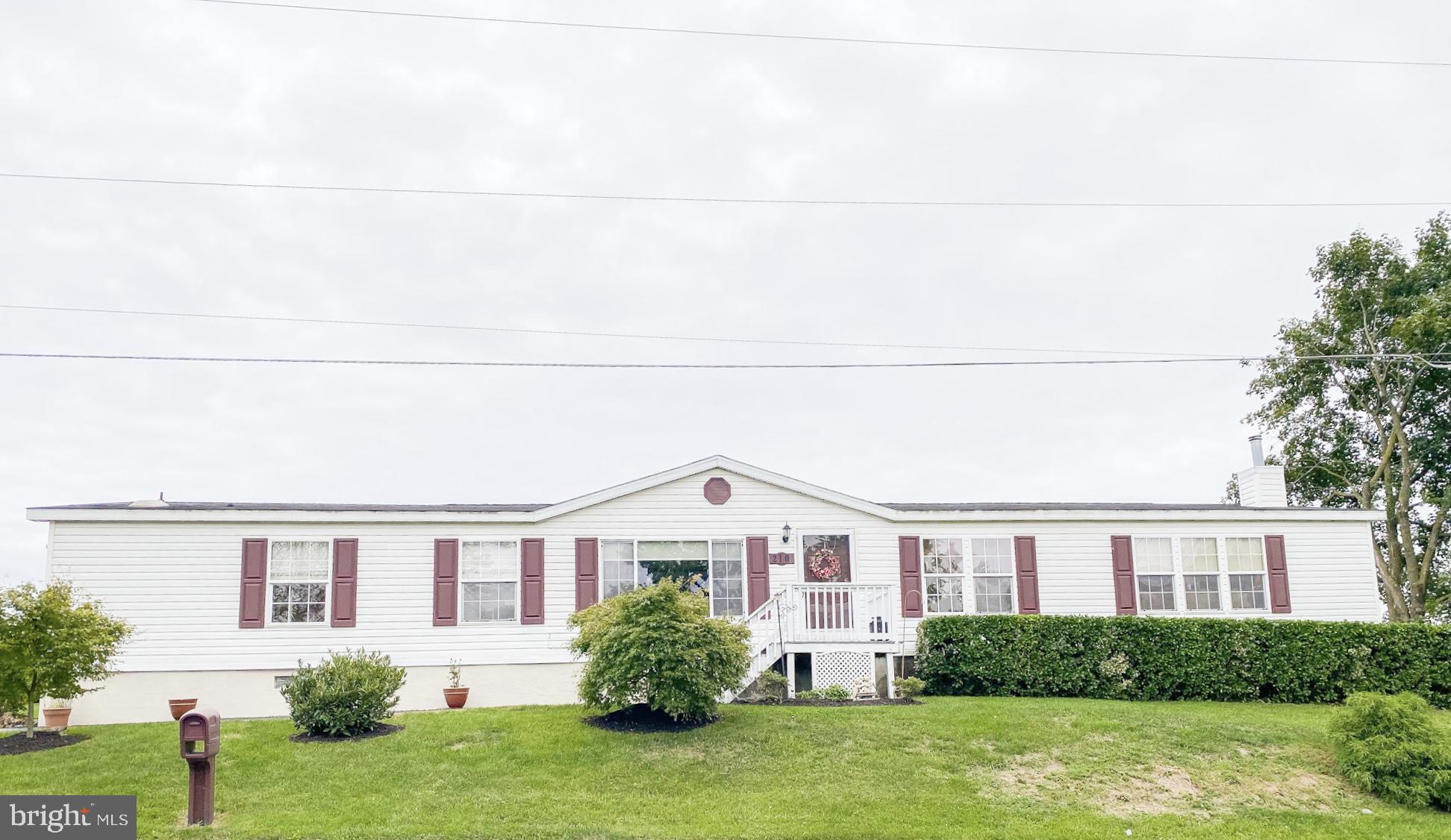 210 Rolling Meadows Dr, Martinsburg, WV, 25404