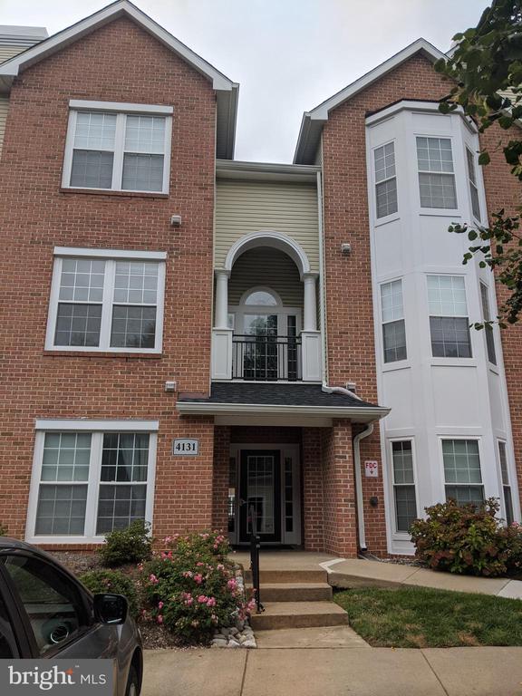 4131 Fountainside Ln #201, Fairfax, VA 22030