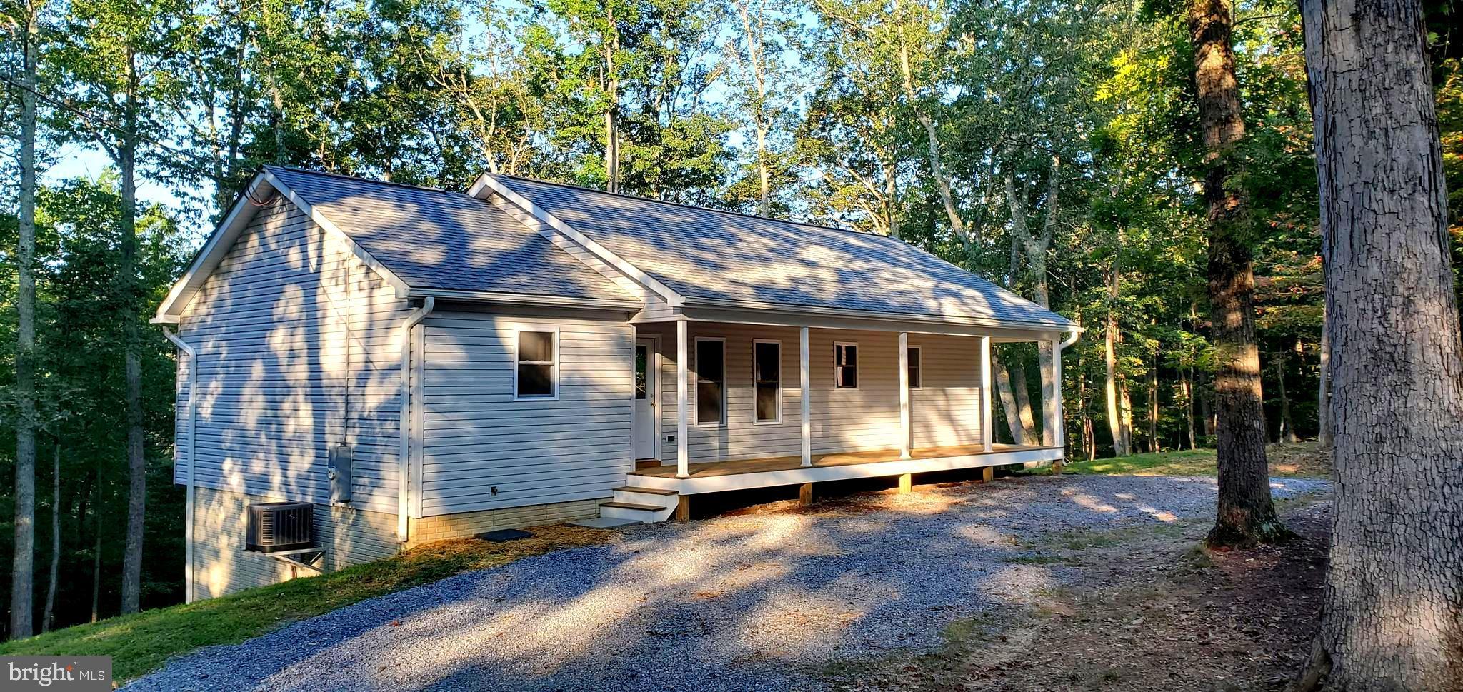 1221 Beechwood Ln, Bluemont, VA, 20135