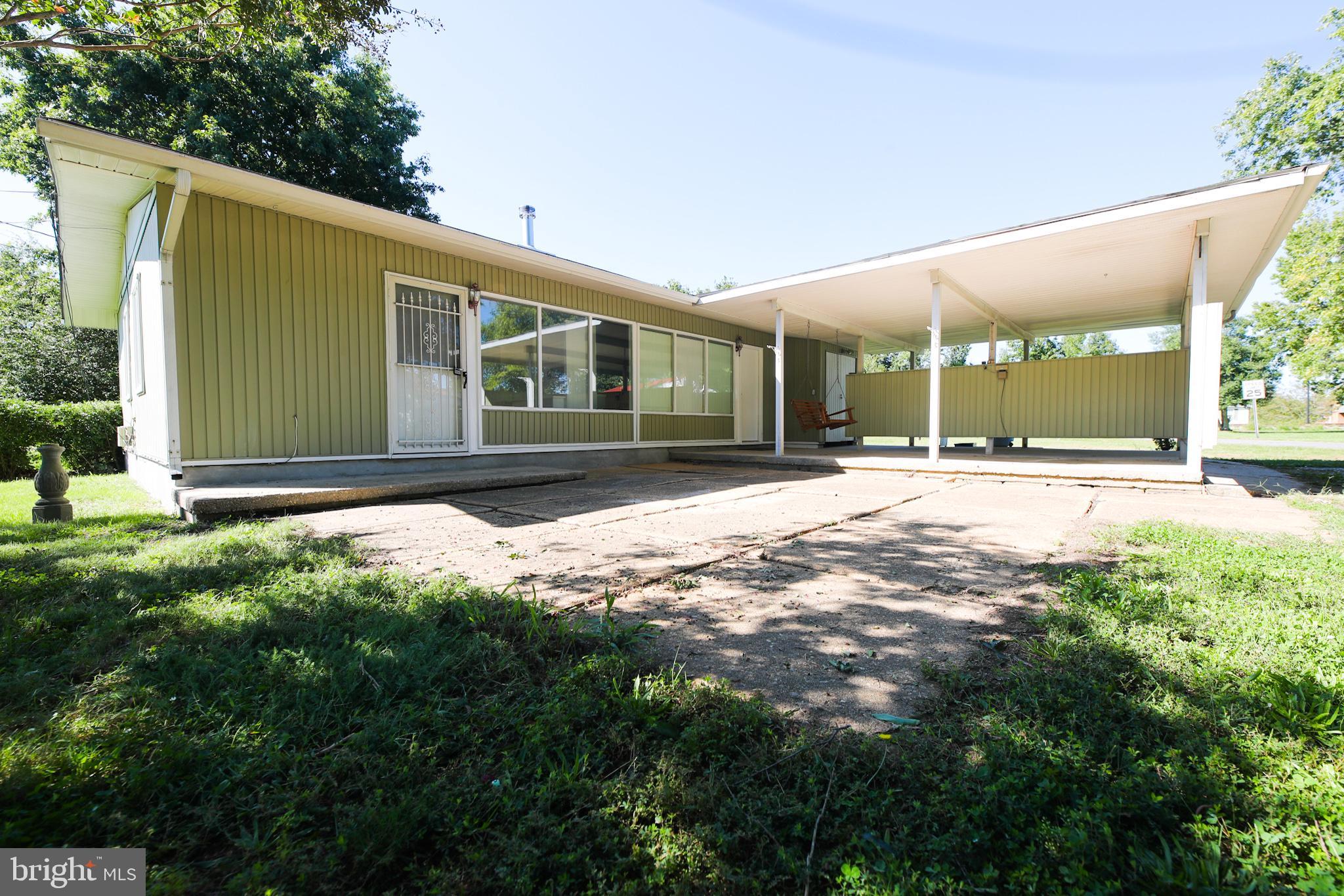 203 Oak Ave, La Plata, MD, 20646