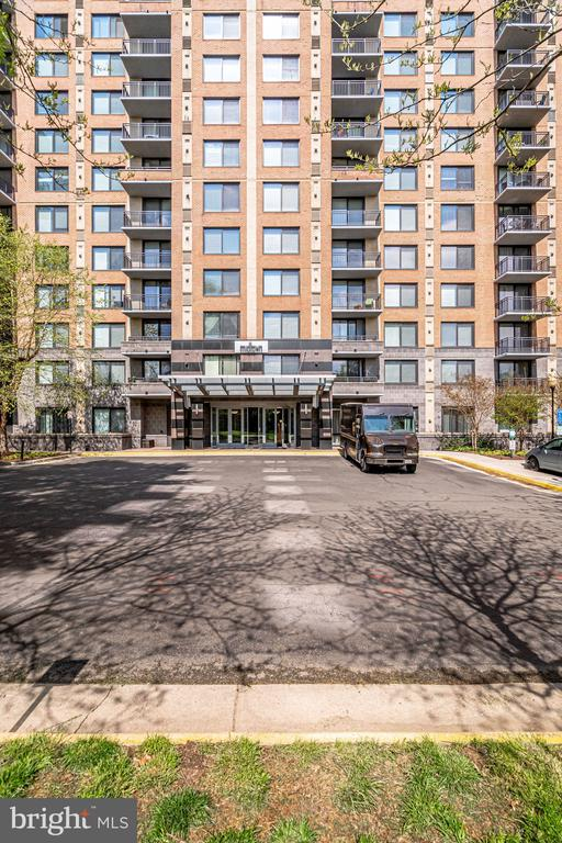Photo of 2451 Midtown Ave #807