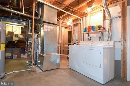 13512 Portage Pl Centreville VA 20120