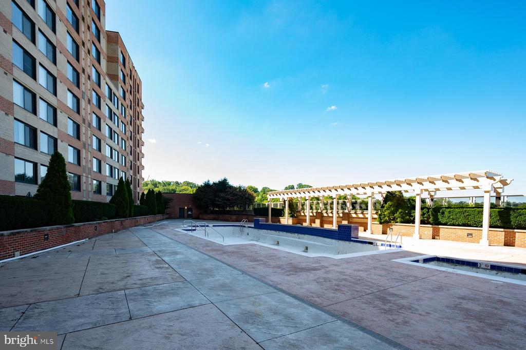 Photo of 2451 Midtown Ave #1309