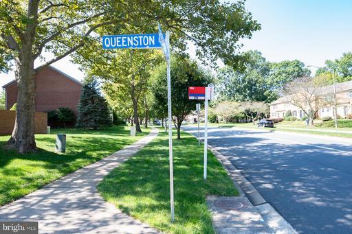 6037 Queenston St Springfield VA 22152