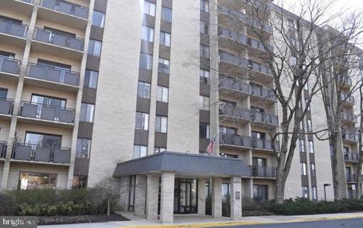 6001 Arlington Blvd #209