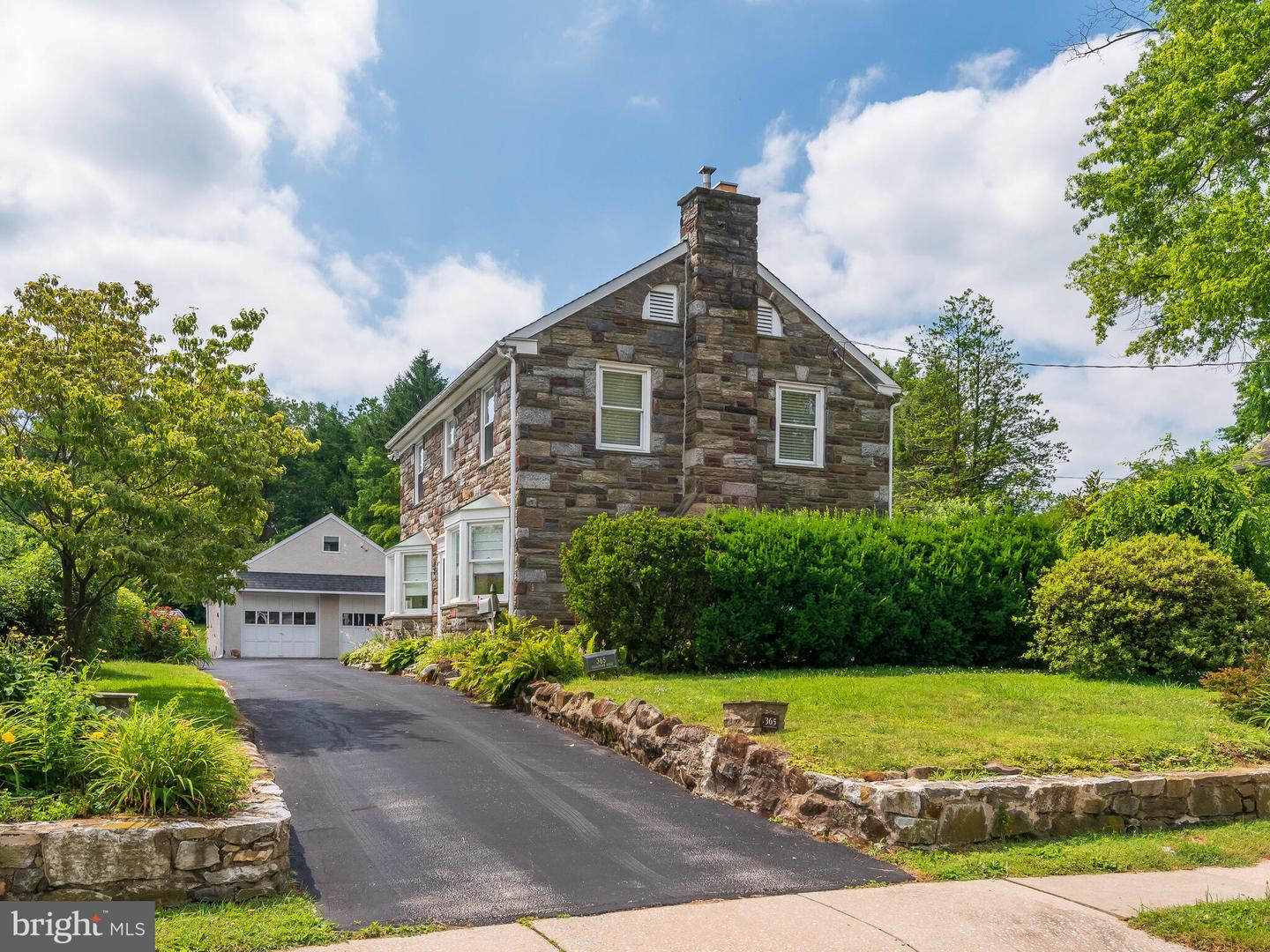 365 Sugartown Road Wayne, PA 19087