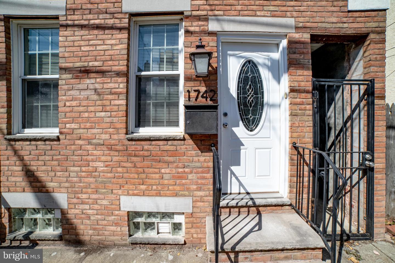 1742 S Orianna Street Philadelphia, PA 19148