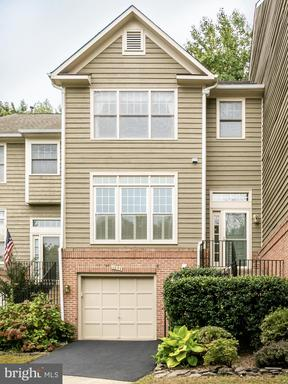1232 Weatherstone Ct Reston VA 20194