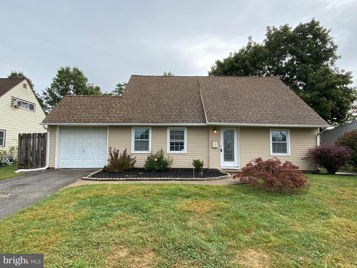 6 Jonquil Lane Levittown, PA 19055