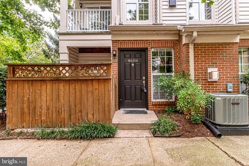 4686 Lawton Way, Alexandria, VA 22311