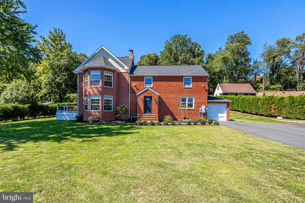 4104 Accotink Pkwy, Annandale, VA 22003