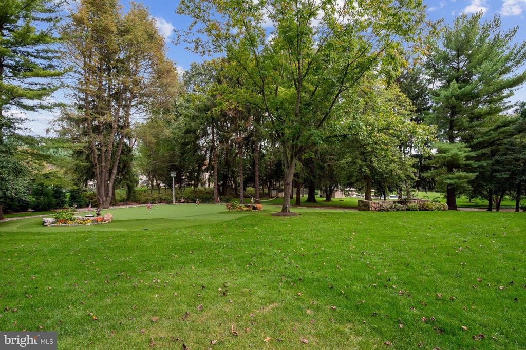 9210 Fox Meadow Ln, Potomac, MD 20854