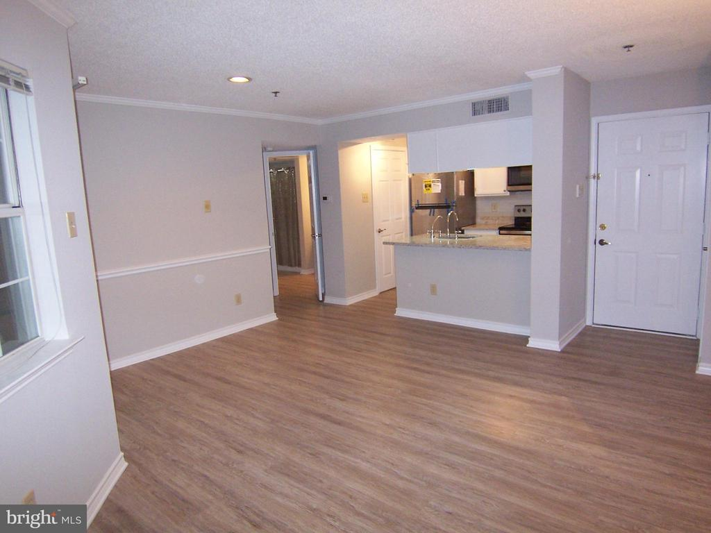 Photo of 1504 Lincoln Way #210