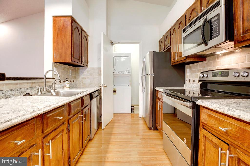 Photo of 7702 Lafayette Forest Dr #32