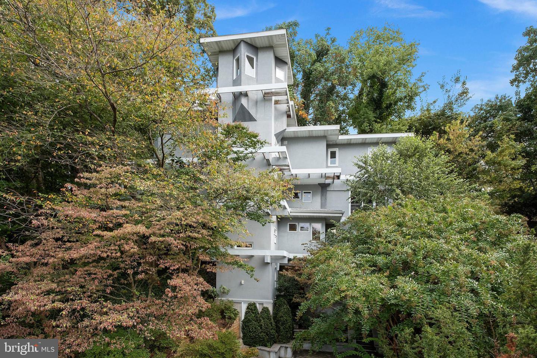 1835 Kirkwood Place   - Arlington, Virginia 22201