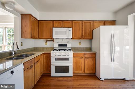 20938 Pioneer Ridge Ter Ashburn VA 20147