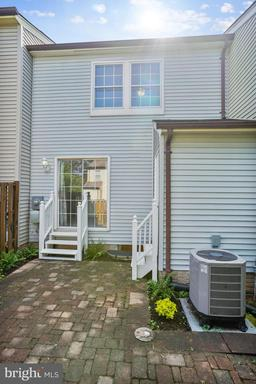 14402 Four Chimney Dr Centreville VA 20120