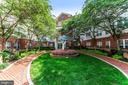 801 S Greenbrier St #411