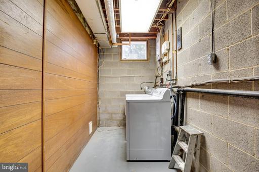 14884 Lambeth Sq Centreville VA 20120
