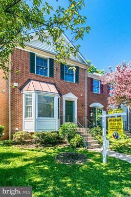 14605 Flower Hill Ct Centreville VA 20120