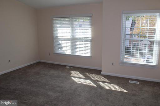 6901 Compton Valley Ct Centreville VA 20121