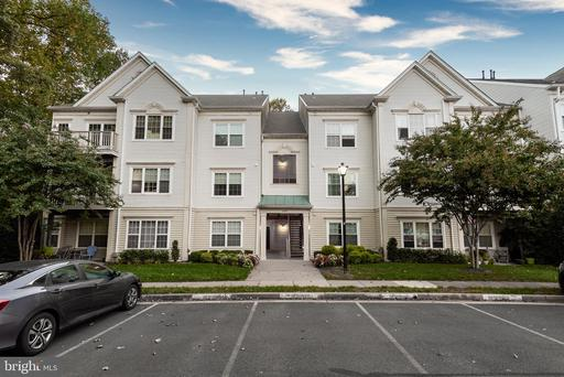 12491 Hayes Ct #302, Fairfax, VA 22033