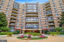 8340 Greensboro Dr #425