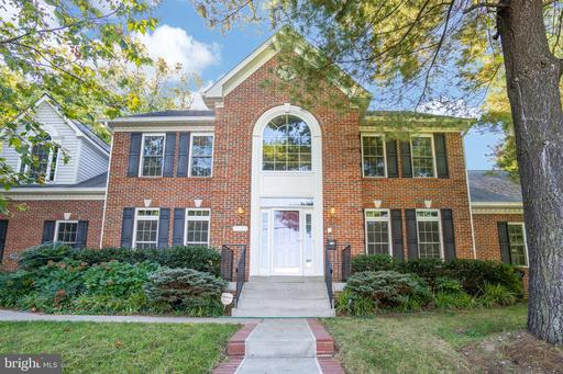 4040 26th St N, Arlington, VA 22207