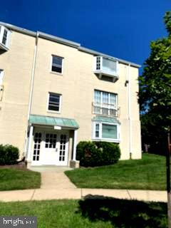 2905 Willston Pl #301, Falls Church, VA 22044