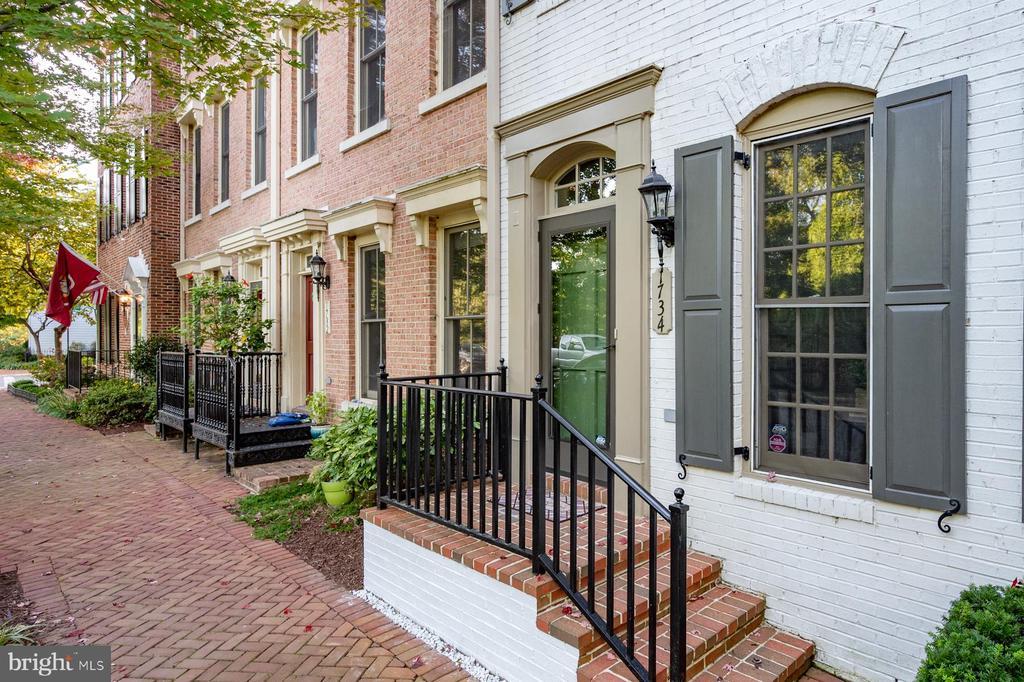 Photo of 1734 Carpenter Rd