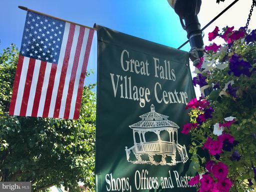 1203 Saugus Ct Great Falls VA 22066