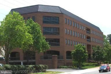 3975 University Dr #420 Fairfax VA 22030