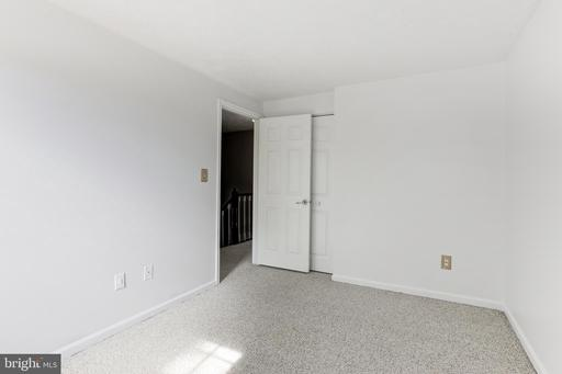 6310 Lightburn Ct Centreville VA 20121