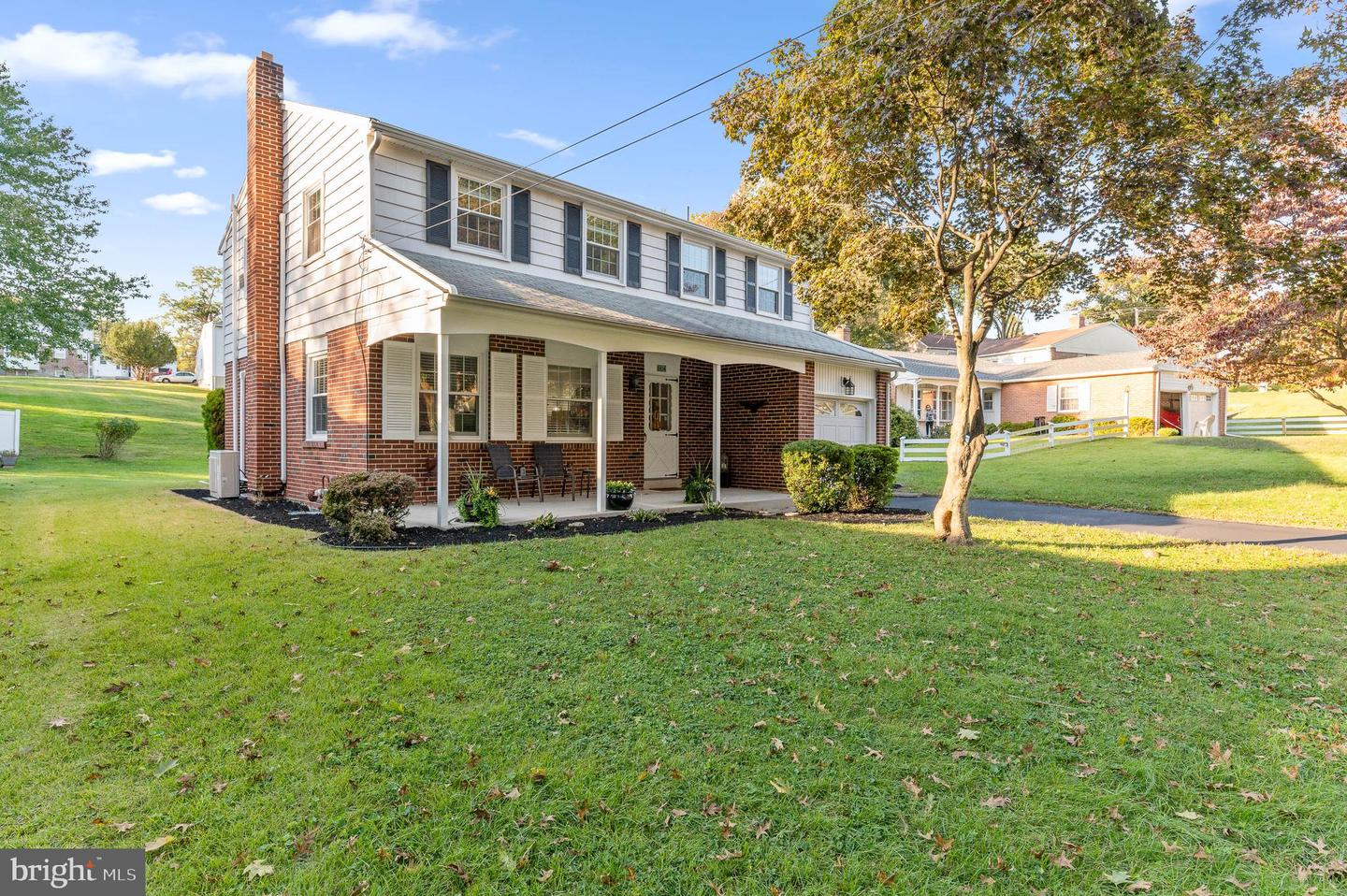 604 Old Schoolhouse Drive Springfield, PA 19064