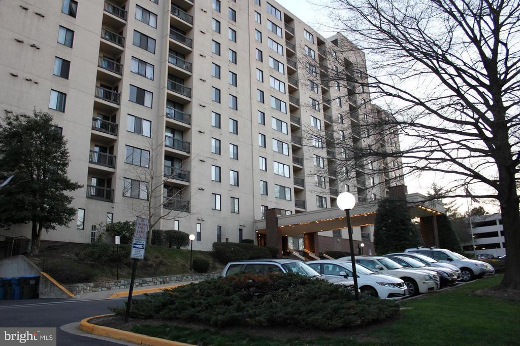 Photo of 6300 Stevenson Ave #503