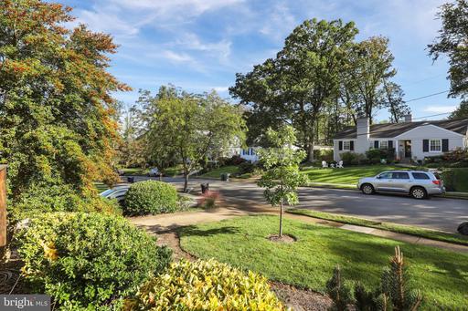 607 Crestwood Dr Alexandria VA 22302