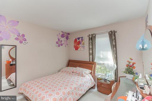 5672 Chapel Run Ct Centreville VA 20120