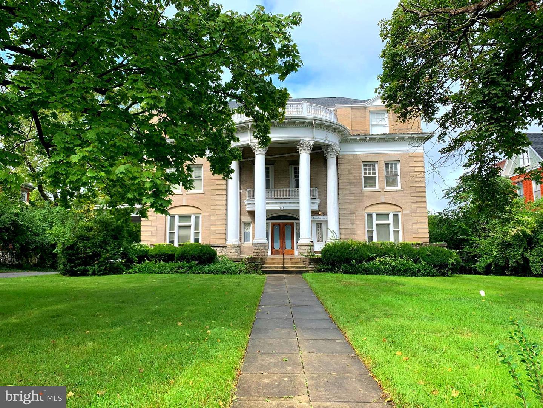 Martinsburg                                                                      , WV - $499,900