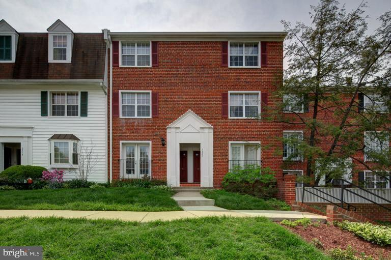 Photo of 2721 S Walter Reed Dr #B