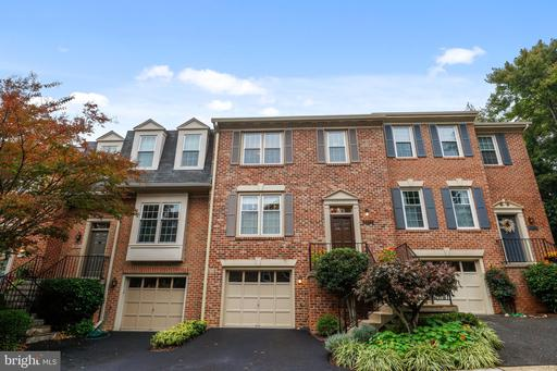 5933 Woodfield Estates Dr Alexandria VA 22310