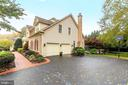 6458 Lake Meadow Dr