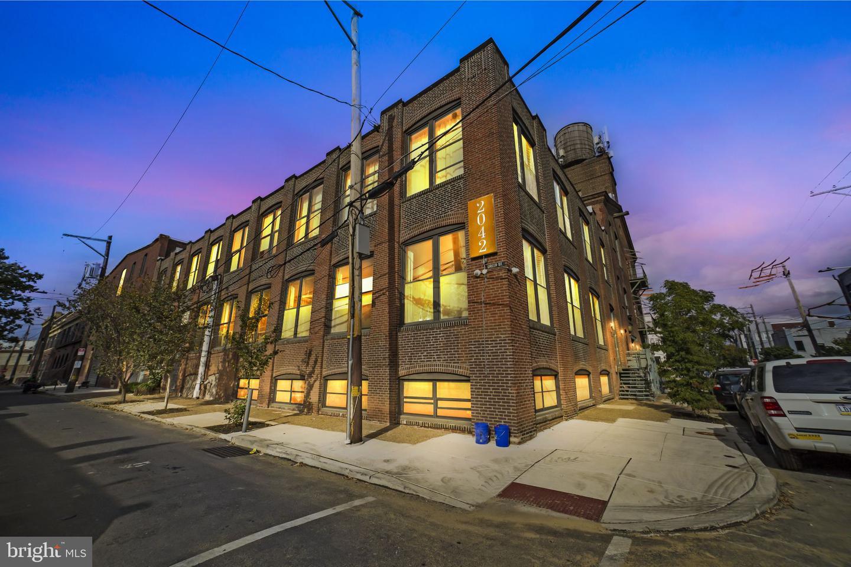 2042 Amber Street UNIT 105 Philadelphia, PA 19125