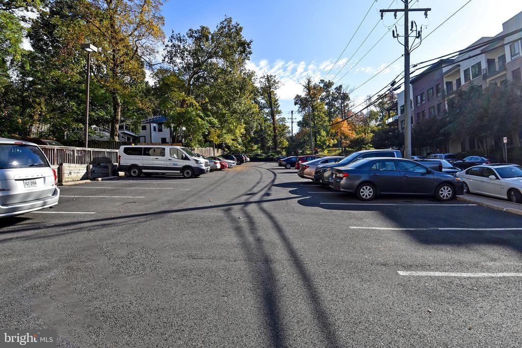 Photo of 1730 Arlington Blvd #505