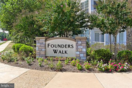5948 Founders Hill Dr #102, Alexandria 22310