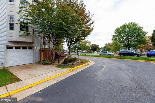 6115 George Baylor Dr Centreville VA 20121